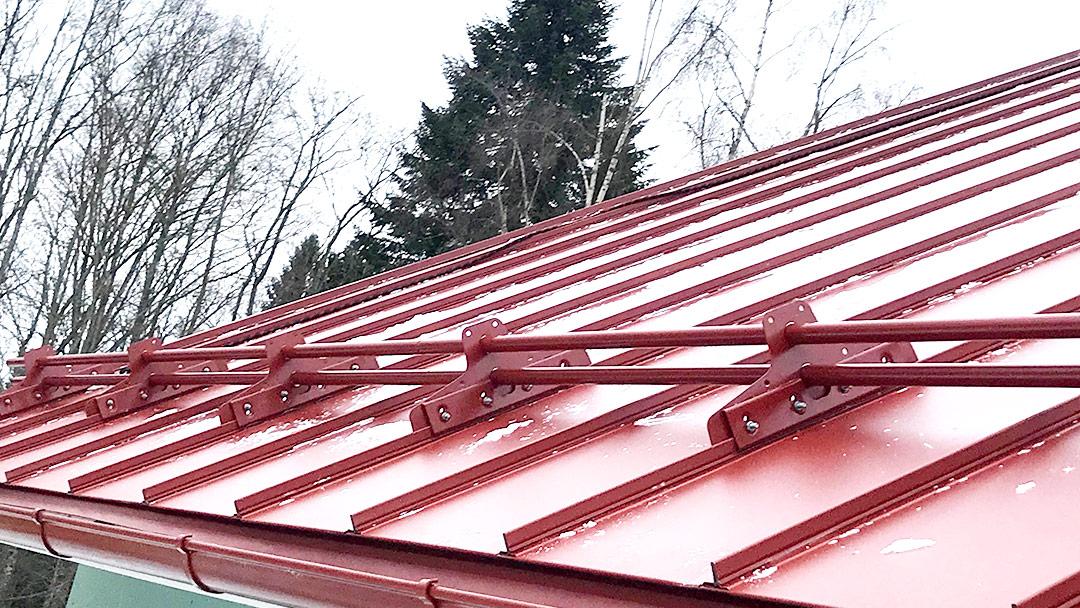 Laadukas peltikatto kattoturvatuotteilla